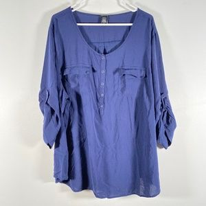 Torrid Roll Tab 1/2 Button Scoop Neck Blouse Blue